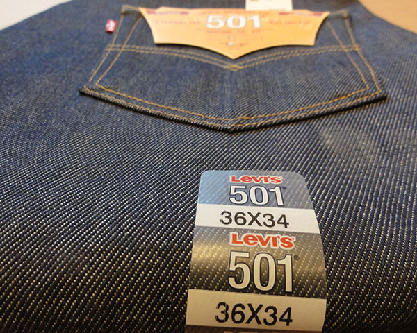 LEVIS 501 SHRINK-TO-FIT™ JEANS
